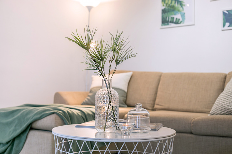 Modern Living Room by Habitat Home Staging & Photography Modern