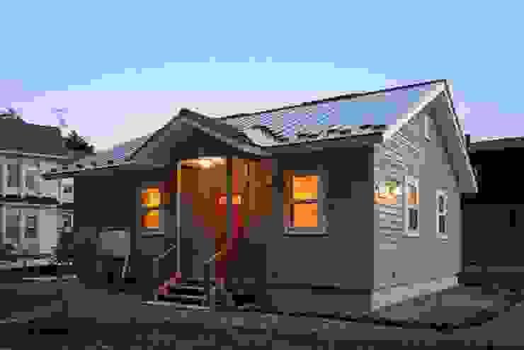 (有)岳建築設計 Colonial style house