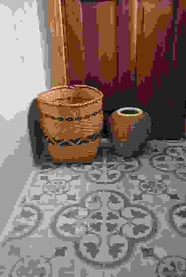 Casa LO de Gomez Vidaguren Arquitectos Rústico
