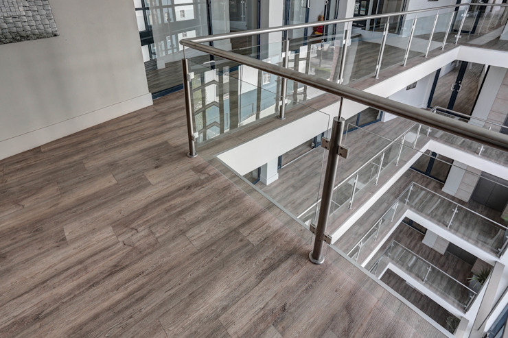 Commercial Project l 10 Degrees:  Commercial Spaces by Wanabiwood Flooring,