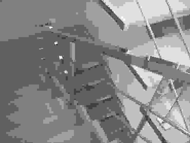 Rumah Modern Oleh Serralharia EMS Inox Modern