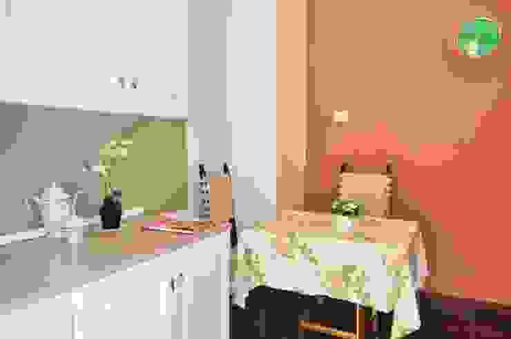 COSTRUZIONI ROMA SRL Cocinas integrales Madera Naranja