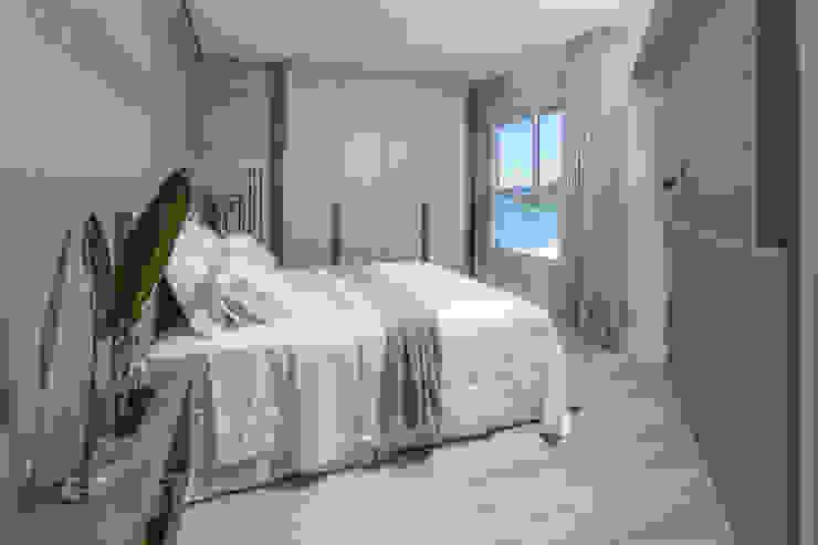 Moderne Schlafzimmer von LUIS AGOSTINHO FOTOGRAFIA DE ARQUITETURA Modern