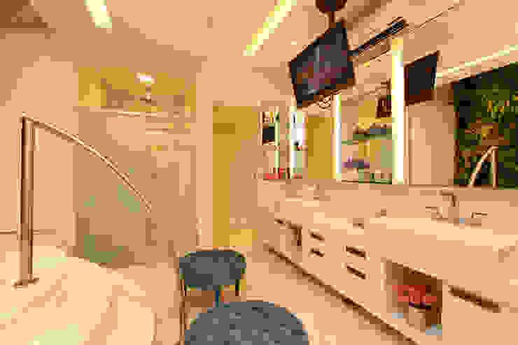 RI Arquitetura Modern Bathroom