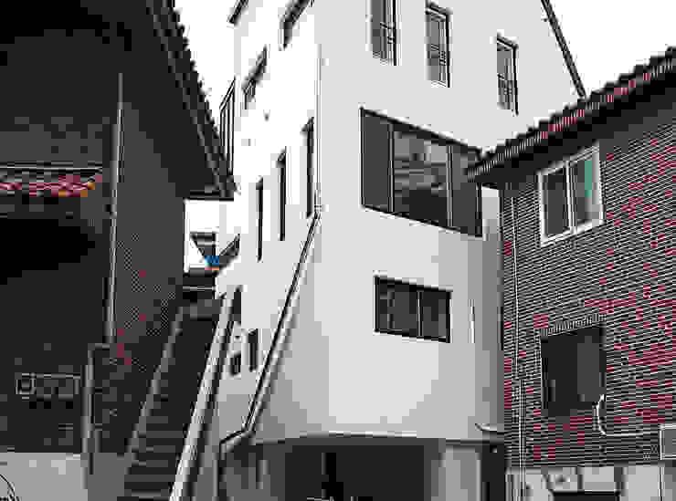 Between.H 모던스타일 주택 by AAPA건축사사무소 모던