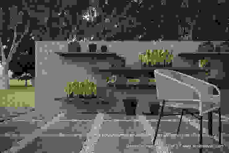 Проект загородного дома в Ленинградской области от Suite n.7 Балкон в скандинавском стиле от Suiten7 Скандинавский Плитка