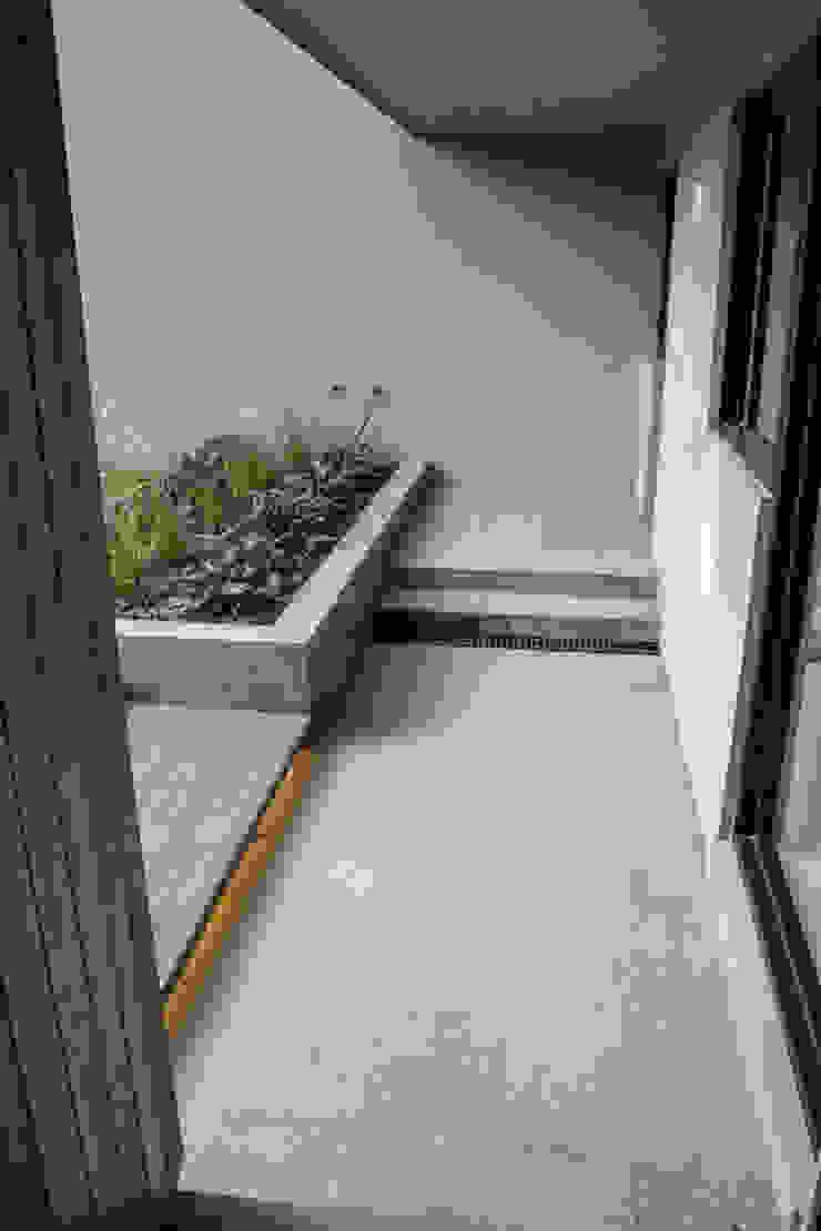 INDICO ห้องโถงทางเดินและบันไดสมัยใหม่