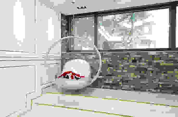 골드 컨셉, 인천 만수동 상가주택 인테리어 에클레틱 거실 by 디자인 아버 에클레틱 (Eclectic)