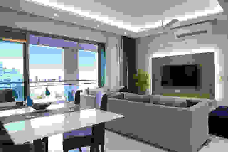 Modern Living Room by The Workroom Modern