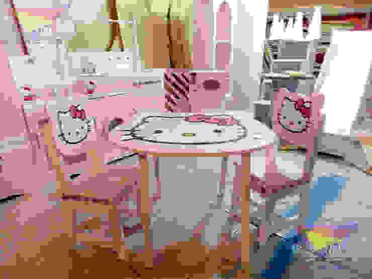 Divertidos muebles estilo Hello Kitty de camas y literas infantiles kids world Clásico Derivados de madera Transparente