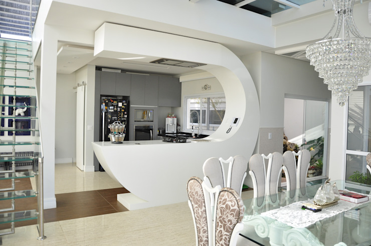 Andréa Generoso - Arquitetura e Construção Modern kitchen Glass White