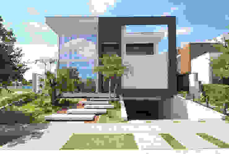 Minimalist house by Andréa Generoso - Arquitetura e Construção Minimalist Granite