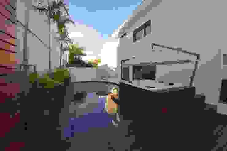 Área de Lazer com piscina Jardins minimalistas por Andréa Generoso - Arquitetura e Construção Minimalista