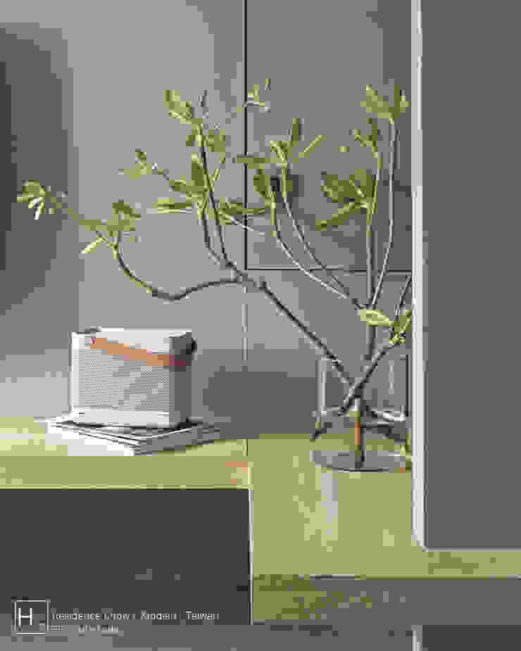 SECONDstudio Dinding & Lantai Minimalis Beton Grey