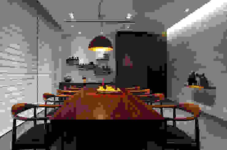 Livings de estilo minimalista de 黃耀德建築師事務所 Adermark Design Studio Minimalista