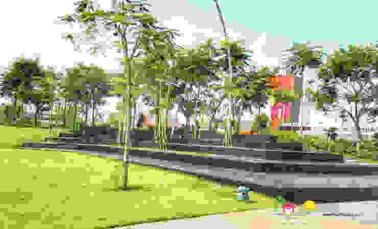 PT. Kampung Flora Cipta Торговые центры в стиле модерн