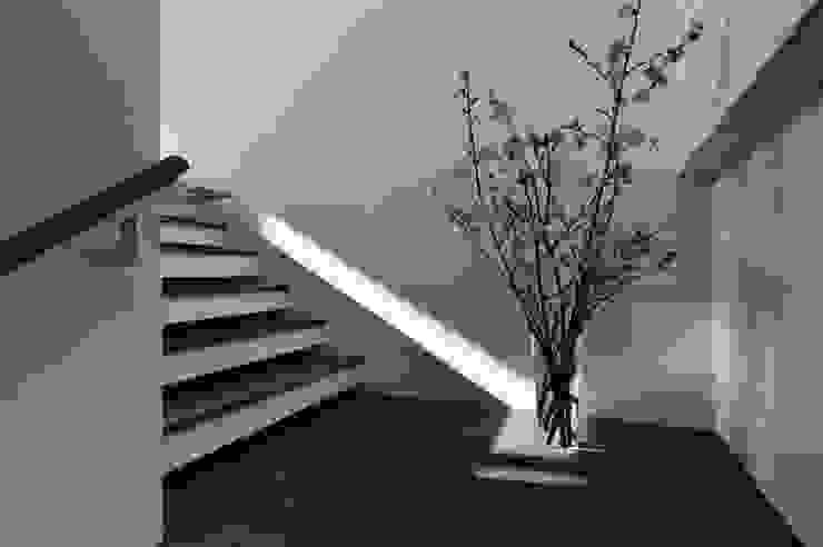 光之現 根據 黃耀德建築師事務所 Adermark Design Studio 簡約風