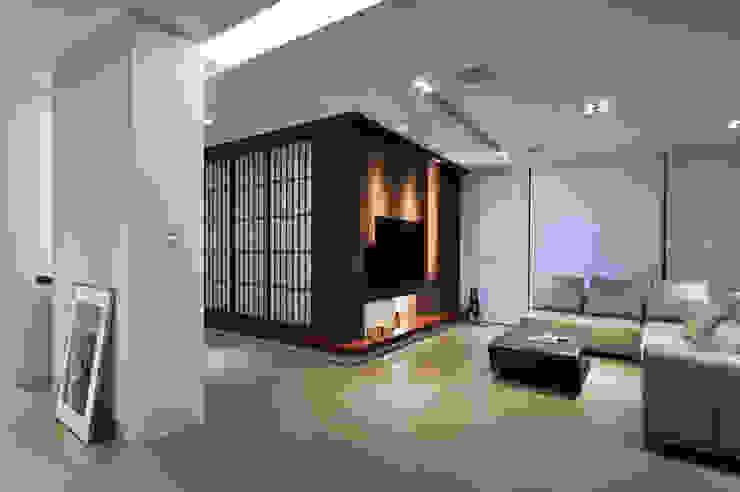 黃耀德建築師事務所 Adermark Design Studio Soggiorno minimalista