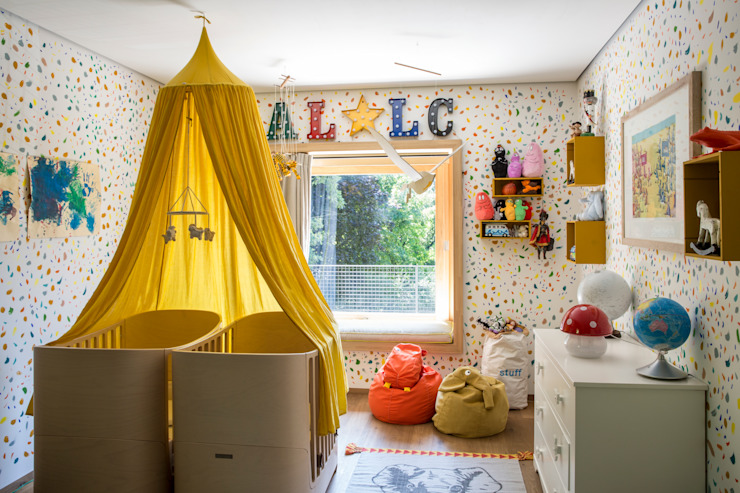 Moretti MORE Eclectic style nursery/kids room