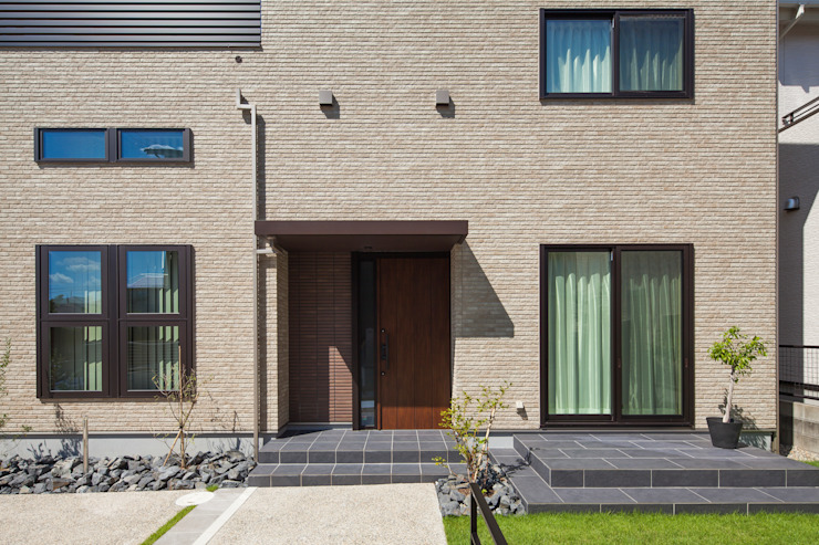 Casas modernas: Ideas, imágenes y decoración de わたなべデザイン製作所/建物写真店 Moderno