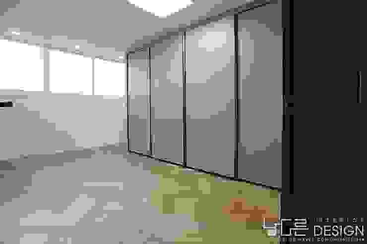 월성푸르지오 48평형 모던스타일 미디어 룸 by 남다른디자인 모던