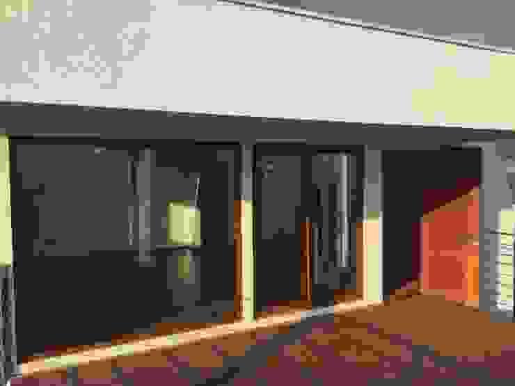 Dormitorio en penthouse con salida hacia terraza Dormitorios de estilo moderno de Arqsol Moderno