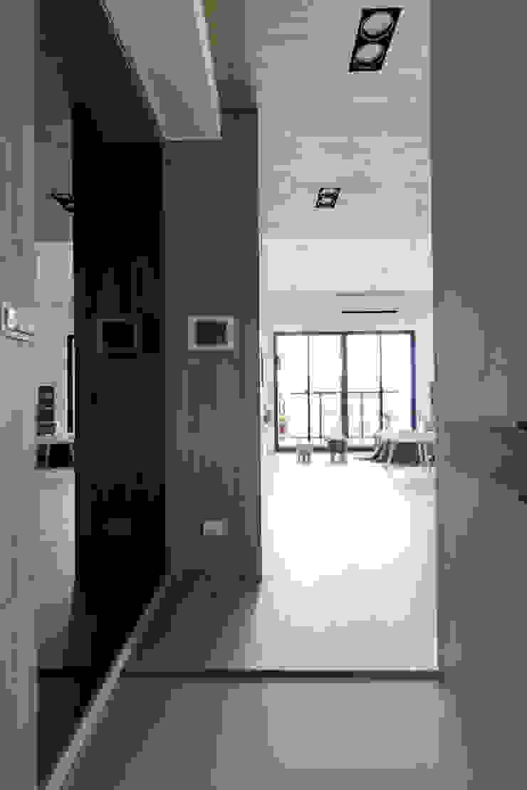 員林-郭公館 斯堪的納維亞風格的走廊,走廊和樓梯 根據 拓雅室內裝修有限公司 北歐風