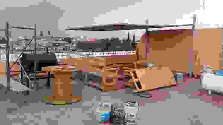 realizacion de banca y muebles de madera reciclada arkiteck Balcones y terrazas rurales