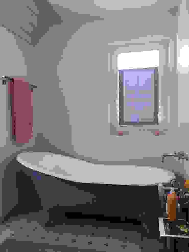 Maxxwell AG Classic style bathroom Iron/Steel Blue