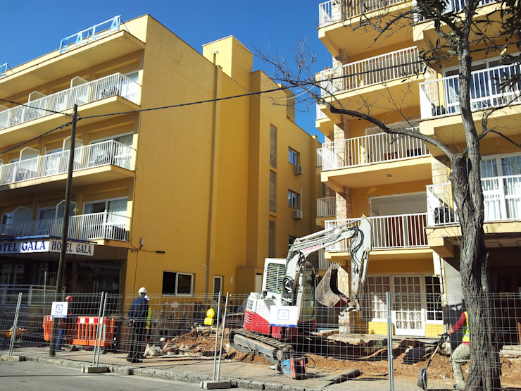 Hoteles de estilo  por Diego Cuttone, arquitectos en Mallorca