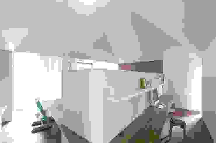Takeru Shoji Architects.Co.,Ltd Living room
