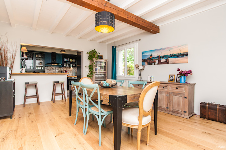 La Maison Des Travaux du Muretain Country style dining room