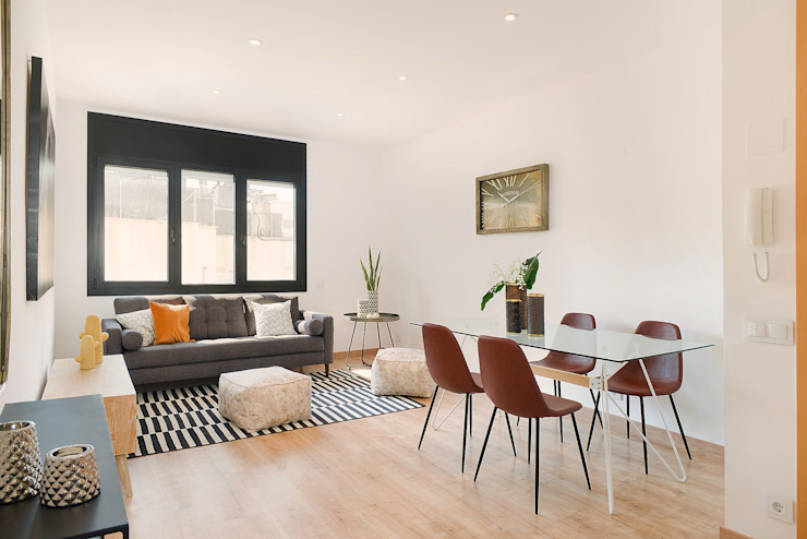 Modern dining room by Markham Stagers Modern