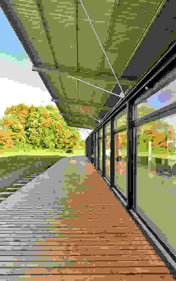 Terraza Norte Balcones y terrazas rurales de mutarestudio Arquitectura Rural