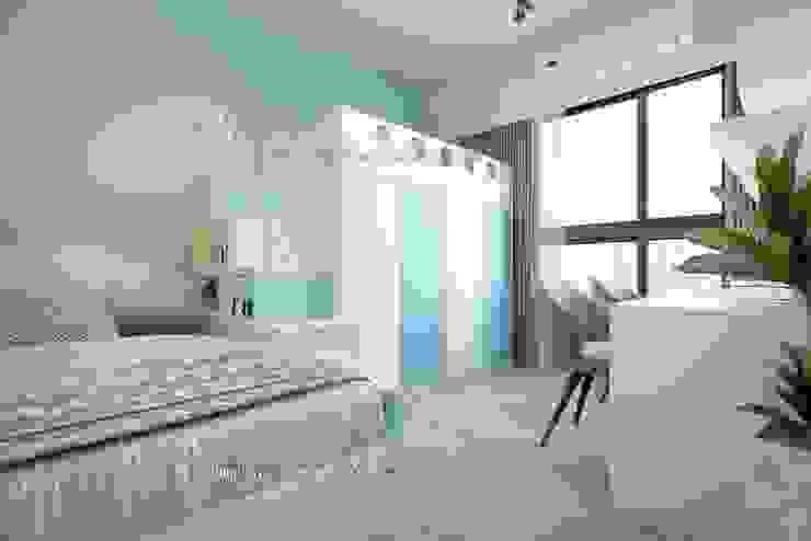 Habitaciones juveniles de estilo  de 鼎士達室內裝修企劃,