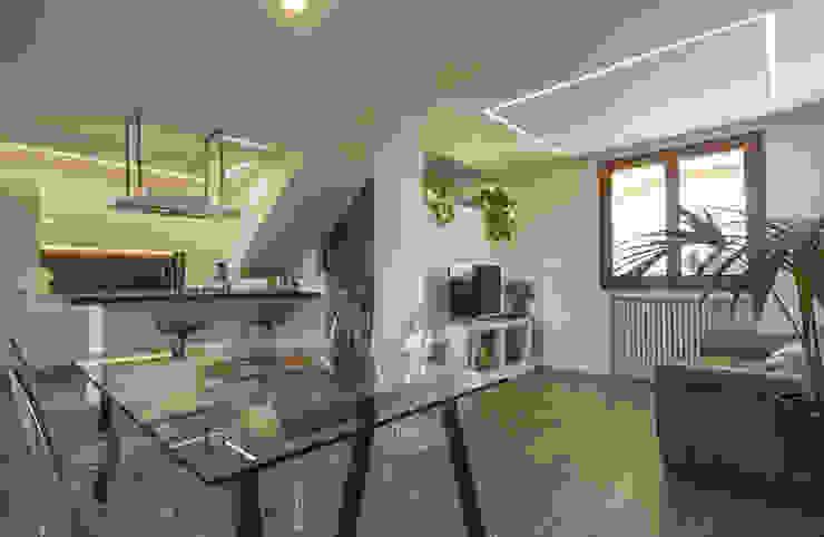 Salas de jantar modernas por Architettura & Interior Design 'Officina Archetipo' Moderno