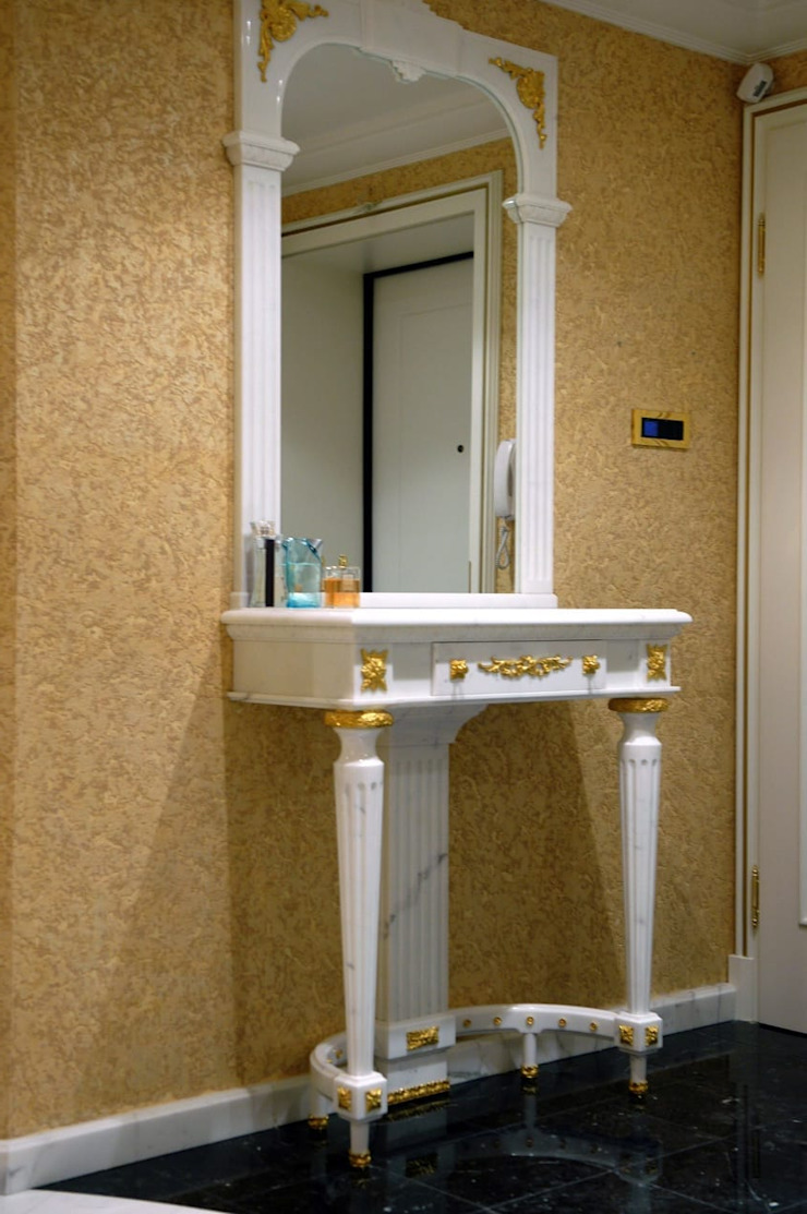 Classic style bathroom by ООО 'GLOBAL INTERIOR' Classic Stone