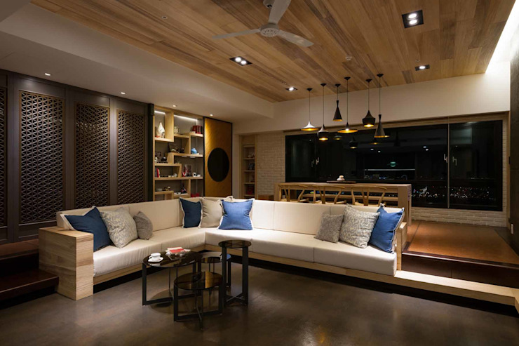 起居空間--迴廊概念 现代客厅設計點子、靈感 & 圖片 根據 敘述室內裝修設計有限公司 現代風