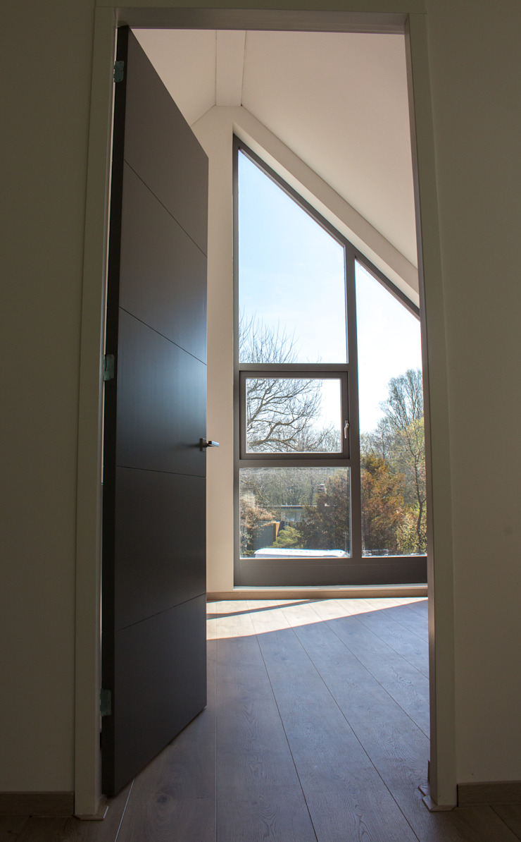 Moderne duinwoning in Castricum Moderne slaapkamers van Nico Dekker Ontwerp & Bouwkunde Modern