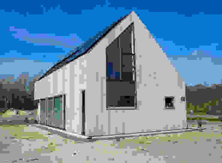 Houses by Nico Dekker Ontwerp & Bouwkunde, Modern