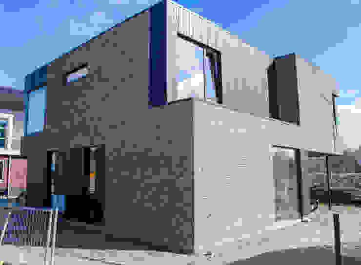 Modern houses by Nico Dekker Ontwerp & Bouwkunde Modern