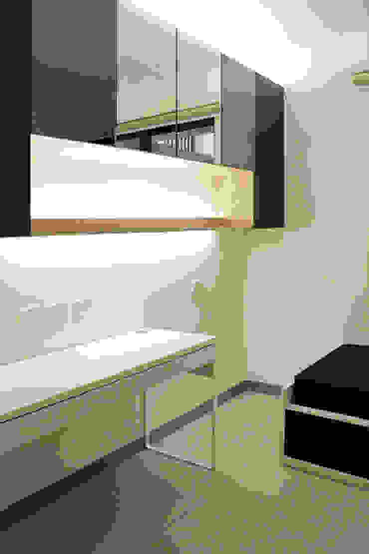 桃園吳公館 現代浴室設計點子、靈感&圖片 根據 夏禾創作有限公司 現代風