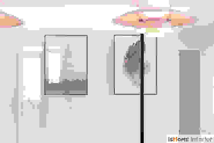 미니멀 인테리어의 품격 58평 송도아파트 : 이즈홈의 현대 ,모던