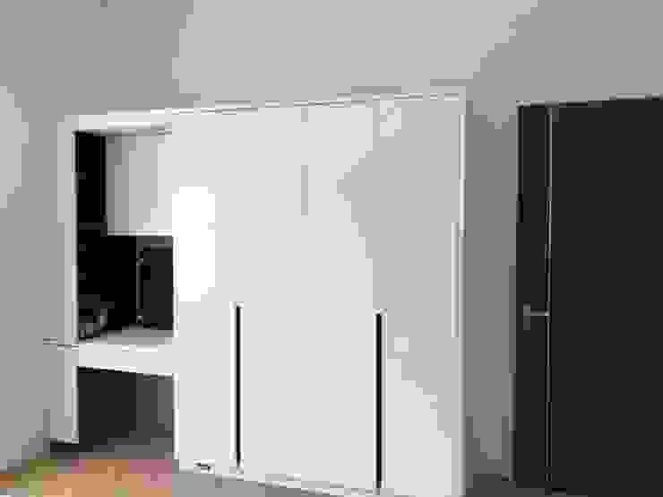 俐落線條呼應 Minimalist bedroom by 圓方空間設計 Minimalist Plywood