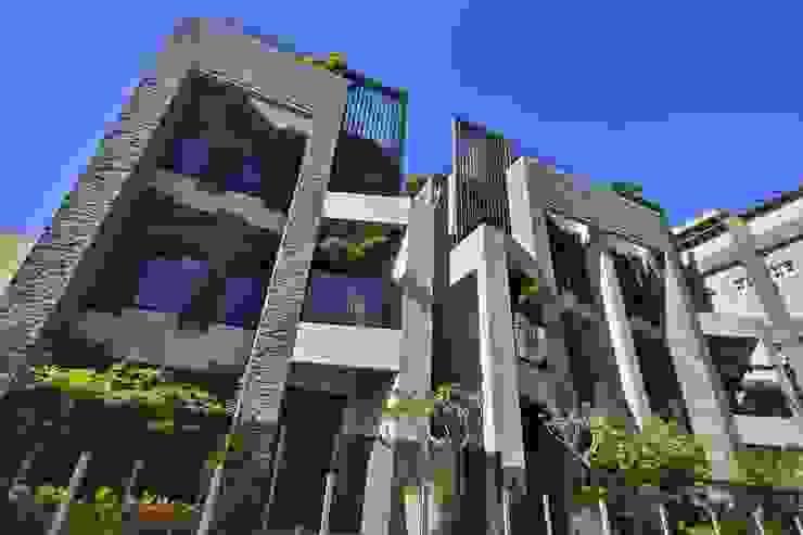 別墅外觀 根據 容拓營造股份有限公司
