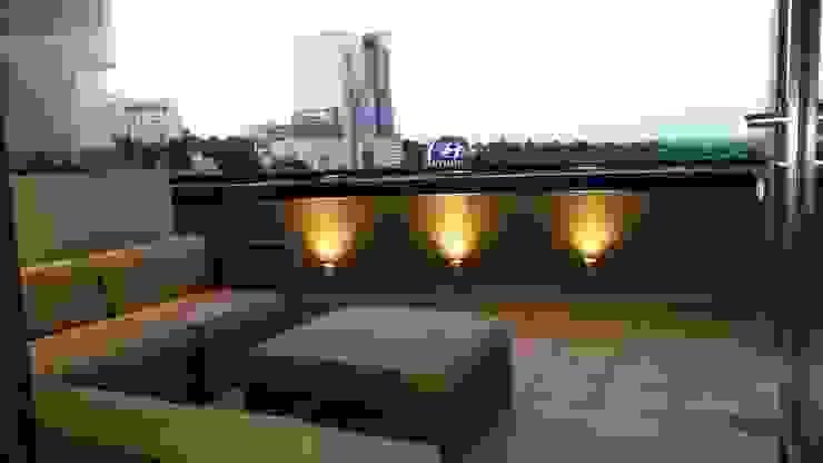 Balcones y terrazas de estilo minimalista de CKW Lifestyle Associates PTY Ltd Minimalista