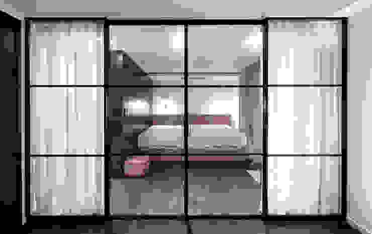 Modern Bedroom by WITHJIS(위드지스) Modern Aluminium/Zinc