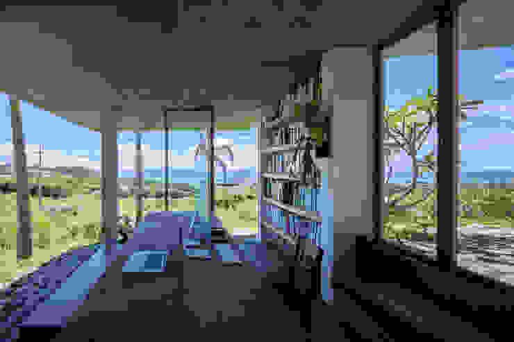 南城市の家: STUDIO COCHI ARCHITECTSが手掛けた書斎です。