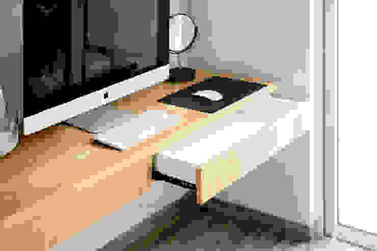 RDT HOUSE Serenia Hills:  Study/office by FIANO INTERIOR