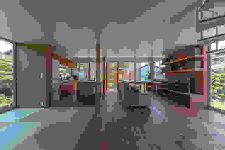 小田井の住宅 モダンデザインの リビング の 水石浩太建築設計室/ MIZUISHI Architect Atelier モダン